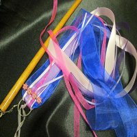 CHILD RIBBON STREAMER: Queenie